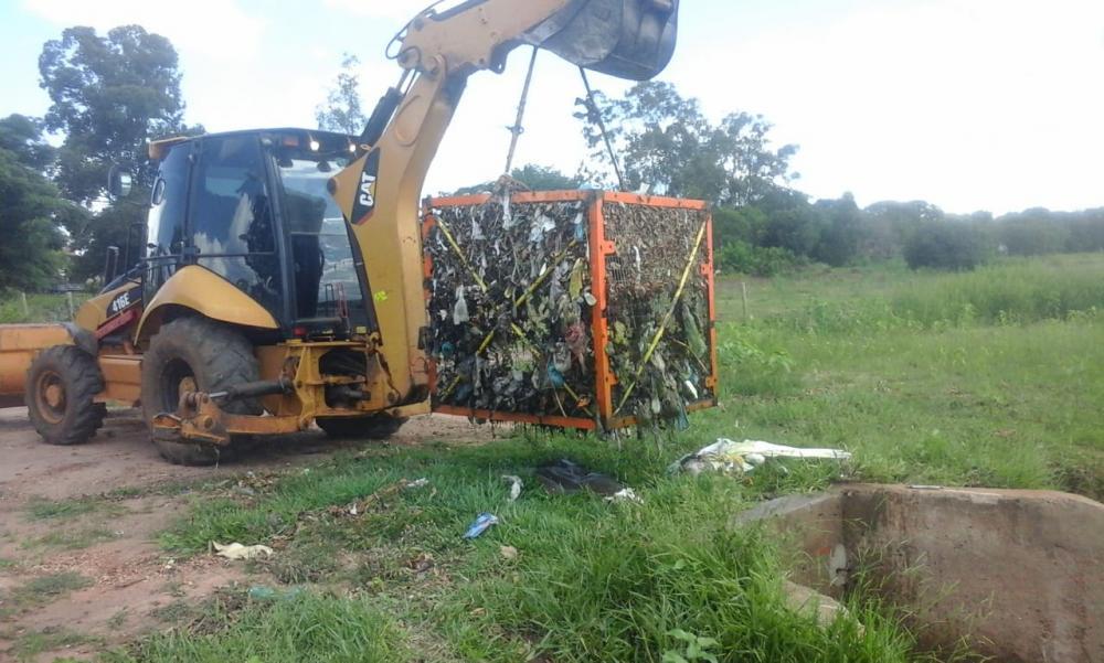 Em Três Lagoas, cesto de contenção reduziu em 90% de despejo de lixo e poluição dos três lagos