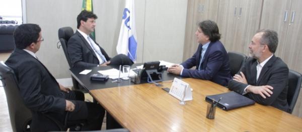 Assomasul pede ao Ministro da Saúde regularização de veículos entregues aos municípios de MS