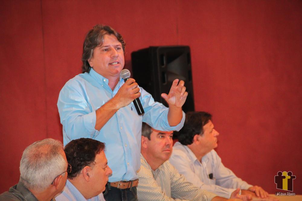 Caravina fala em evento em Campo Grande (Foto: Arquivo/Edson Ribeiro)